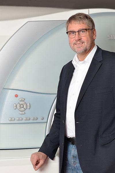Dr. Uwe Busch