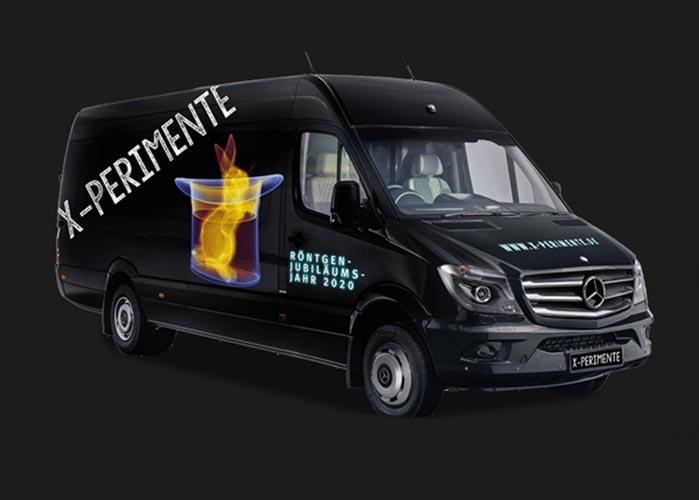 Großer Mercedes Van mit der Aufschrift X-Perimente.