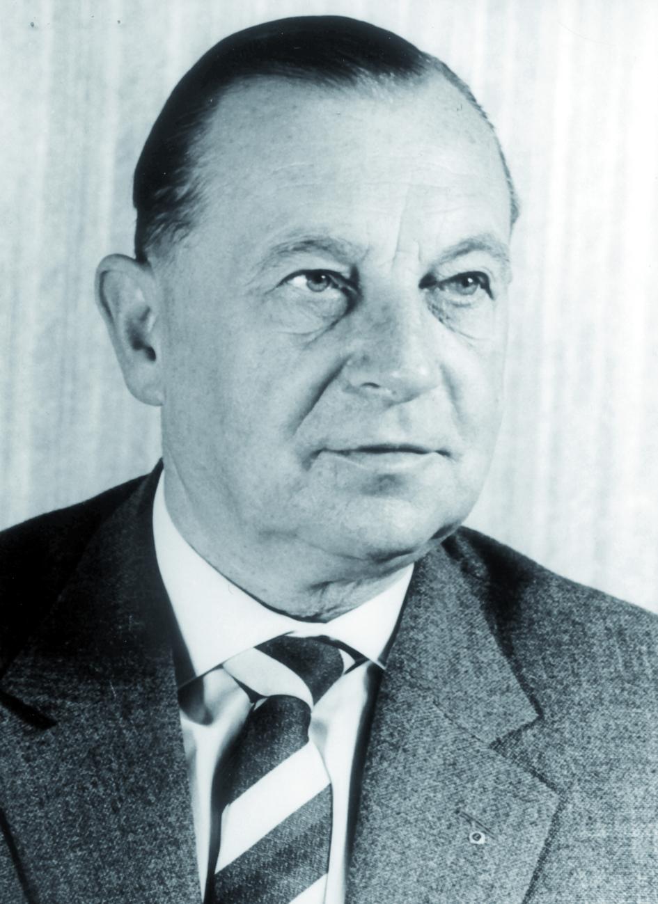 Portraitfoto von Herrn Werner Tschechendorf.