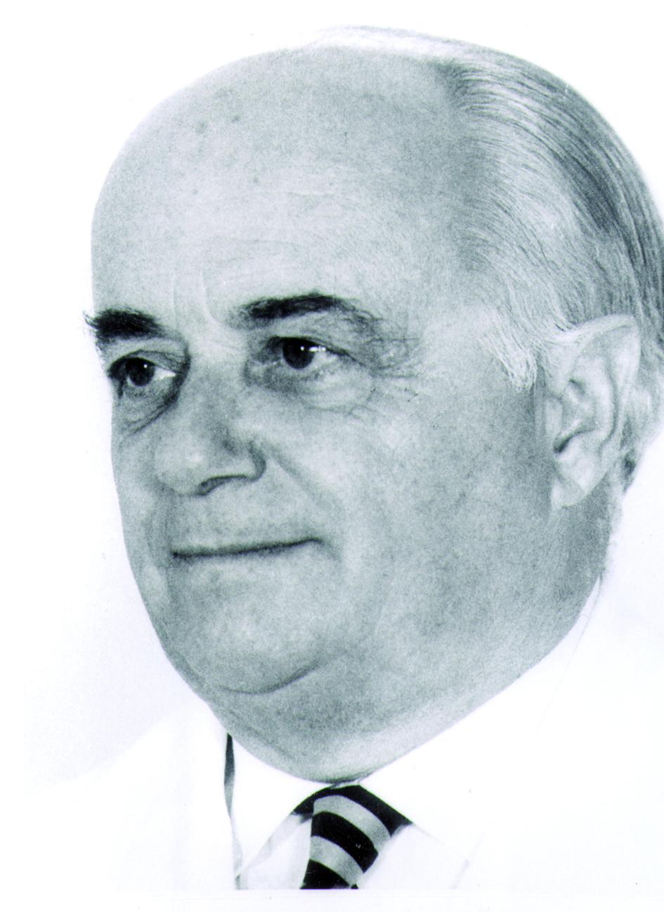 Portraitfoto von Herrn Josef Becker.