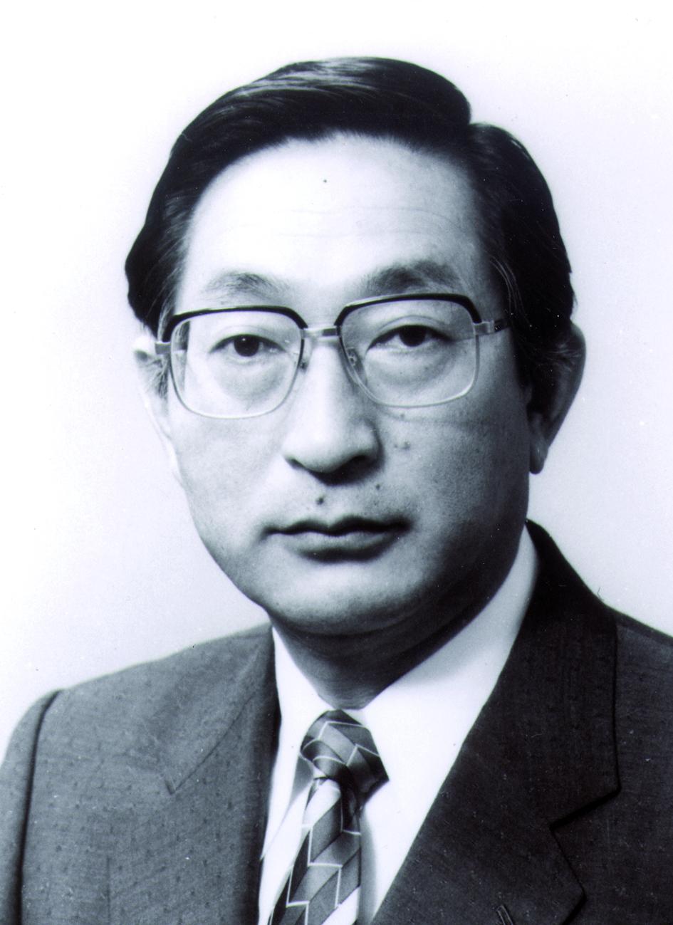 Portraitfoto von Herrn Mitsuyaki Abe.