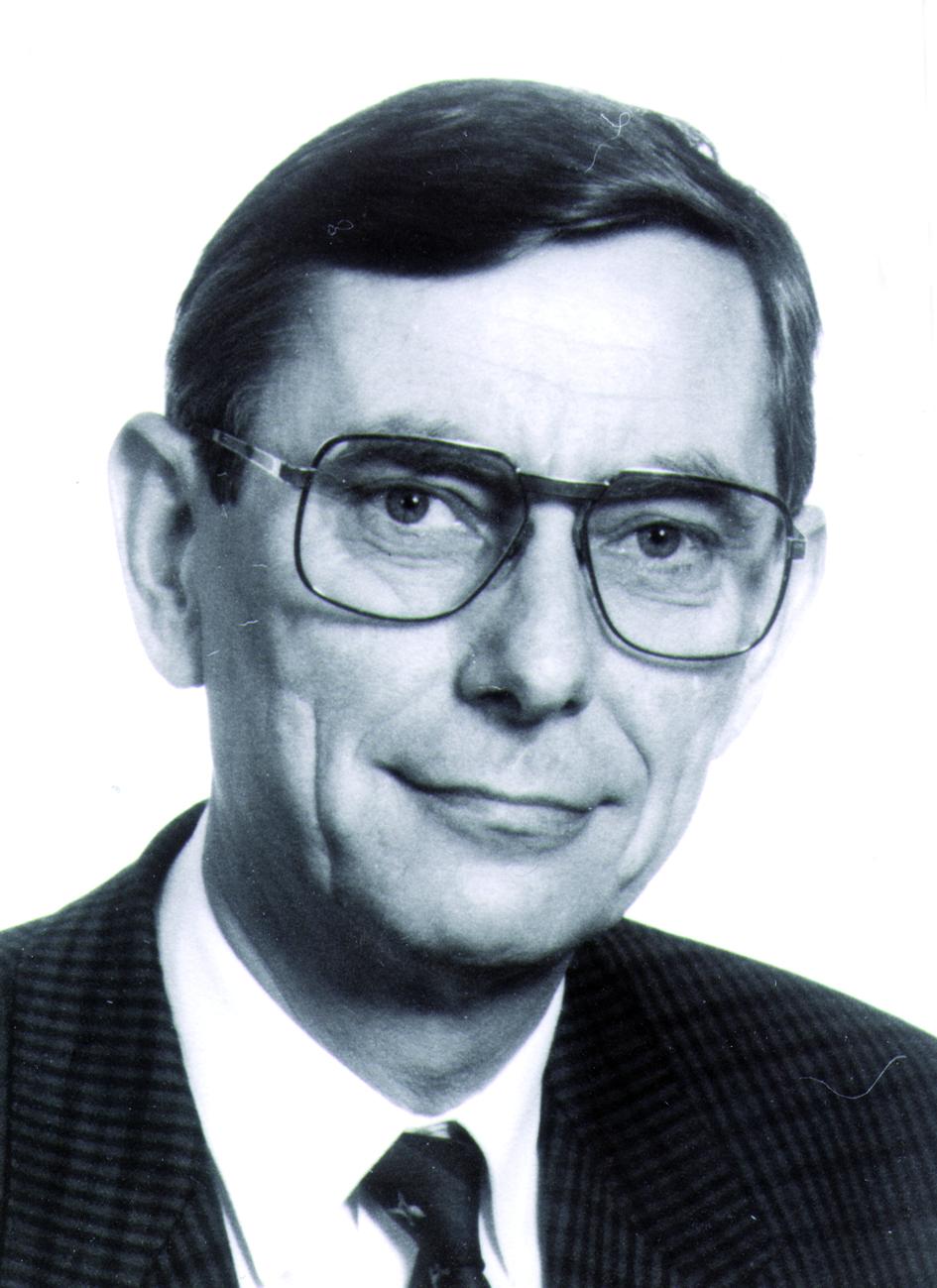 Portraitfoto von Herrn Karl-Heinz Höhne.