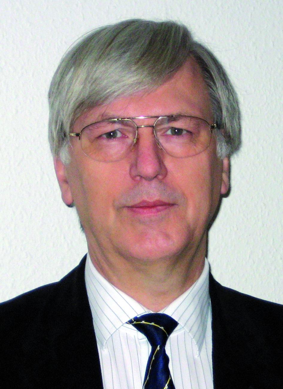 Portraitfoto von Herrn Uwe Ewert.