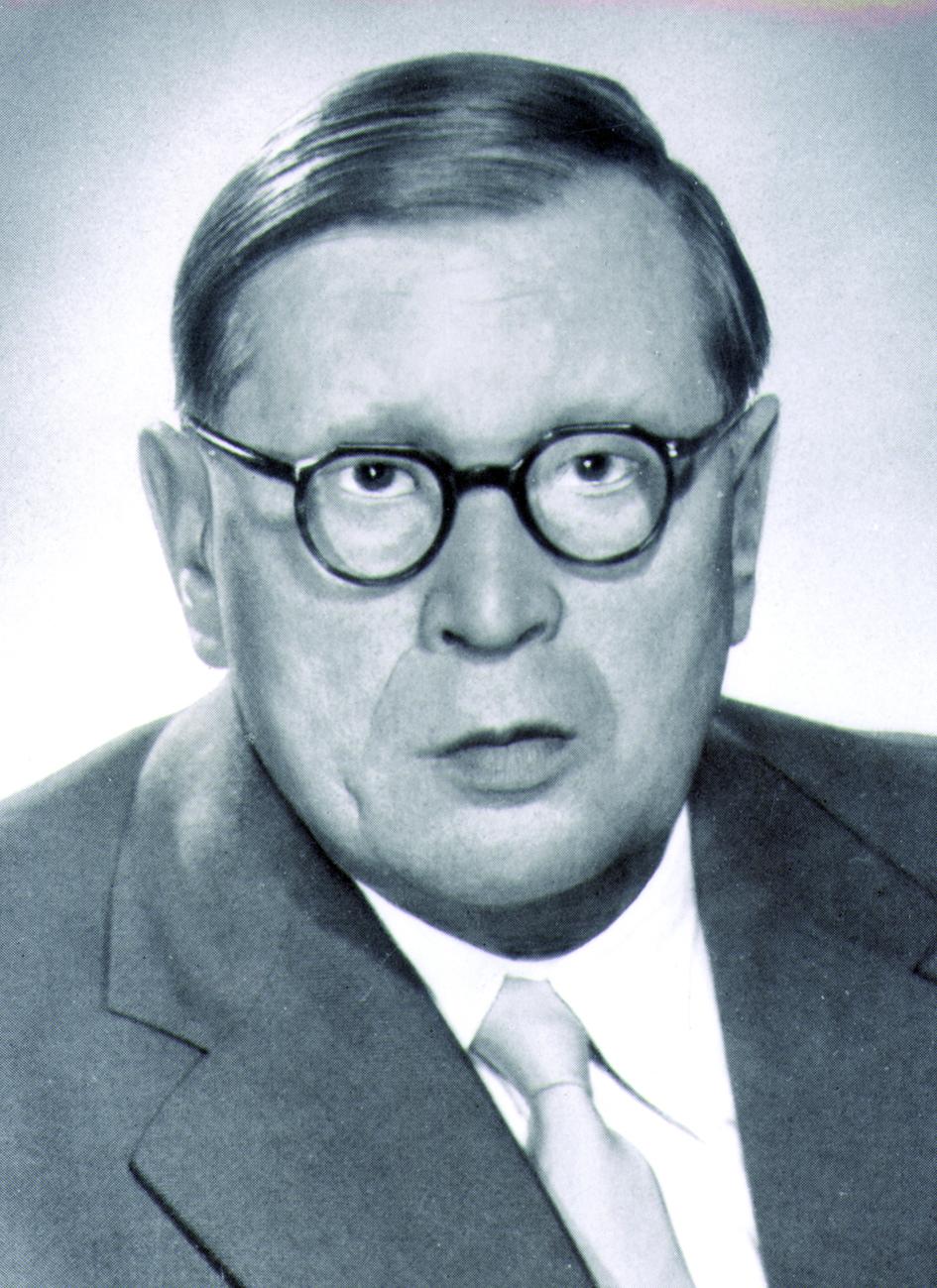 Portraitfoto von Herrn Robert Janker.