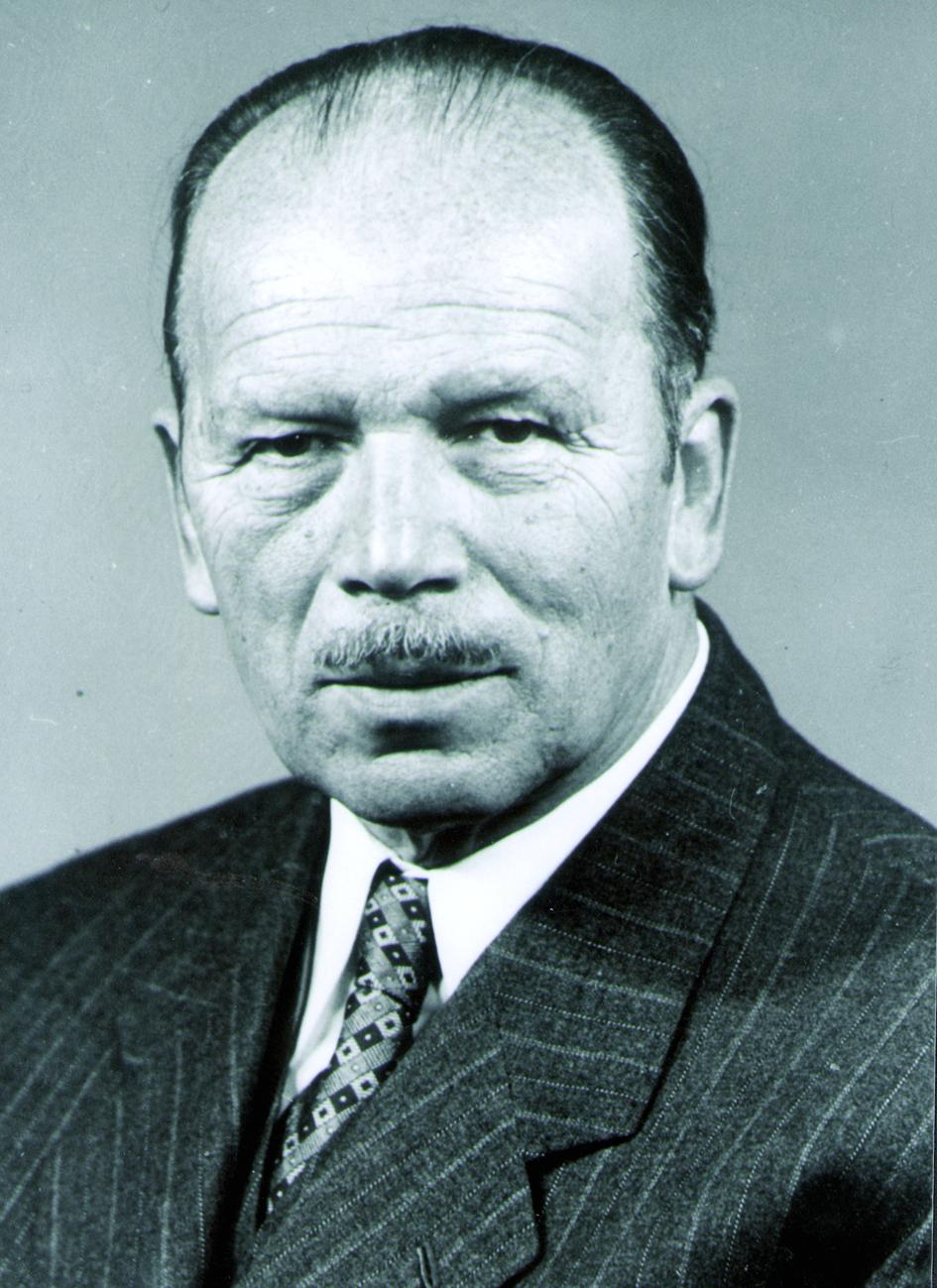 Portraitfoto von Herrn Max Anderlohr.
