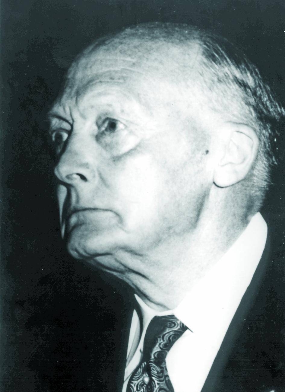 Portraitfoto von Herrn Hermann Holthusen.