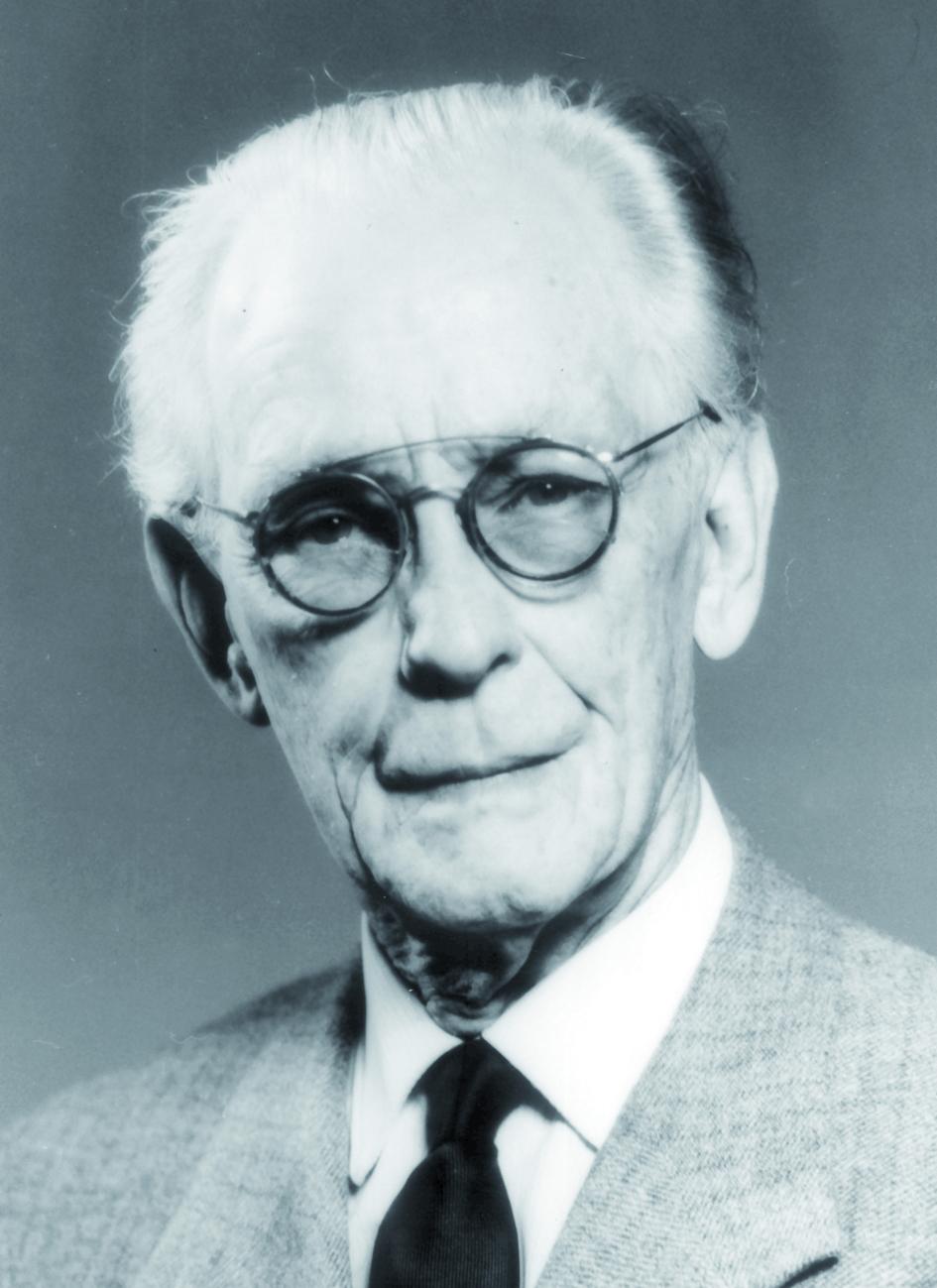 Portraitfoto von Herrn Elis Berven.
